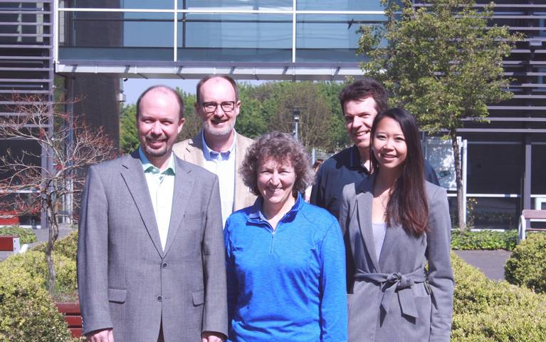 Prof. Dr. Lucie Thibault with colleagues