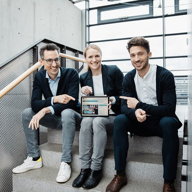 Das Team des Studiengangs Management, Leadership, Innovation (Finn Rieken, Mareike Heinzen, Jan Conrads)